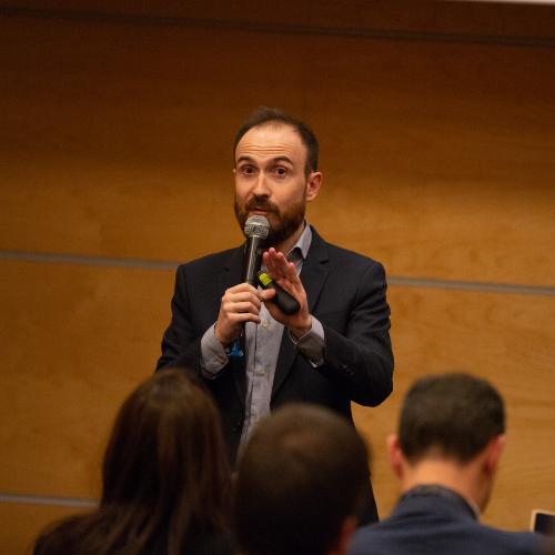 Le speaker de Snapchat lors de l'atelier de la marque au One to One Monaco